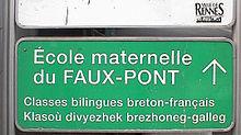 Breton_school_sign_in_Rennes